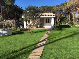 Villino Vita. Indipendente con giardino  a 2 passi dal mare