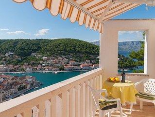 Traumblick auf die Bucht von Pucisca - Studio Apartment Jelena