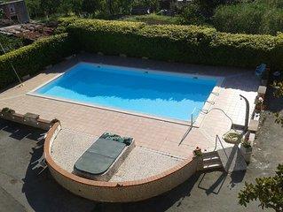 Neben den Cinque Terre,Deiva Marina, 4 km vom Meer, privat Parkplatz,Schwimbad