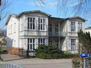 Wohnung in historischem Pensionshaus, ruhige Lage, 450 m zu Strand und Zentrum