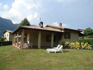 Villa Isabella, grosses Ferienhaus, Garten, 3 Schlafzimmer, 500m zum See/Strand
