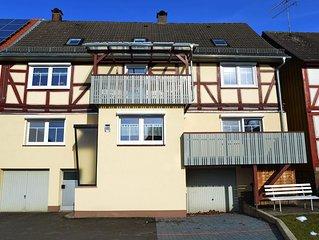 Große Ferienwohnung mit Balkon im neu renoviertem Fachwerkhaus in ruhiger Lage