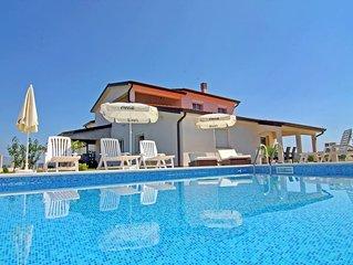 Ferienwohnung Denis in Swimmingpool-Villa Kastel 2 in guter Lage nordlich Umag