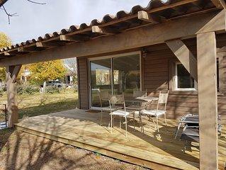 Chalet 30 m2 avec terrasse dans grande propriete de 5000 m2 clos