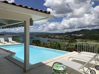 Villa de luxe, 10 personnes, piscine à débordement, vue magnifique mer et golf