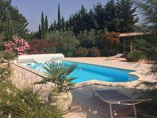 Gite avec piscine a la campagne sur les hauteurs de nyons, calme et reposant
