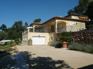 Villa neo provencale avec piscine, vue imprenable sur les collines