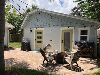 North Florida Jacksonville Crepe Myrtle Cottage (Tiny House)
