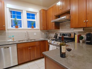 Quiet In-City Oasis, Walk to Light Rail + Great For Family!