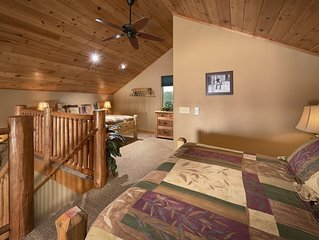 A Lodge Style Cabin, Stunning Mountain Views, 1 1/2 Miles To Town, Dogs Ok