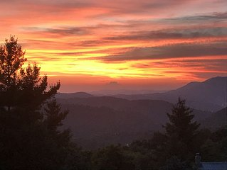 INCREDIBLE MOUNTAIN SUNSETS! - 4/3, CLOSE TO BLOWING ROCK & BOONE, POOL TABLE