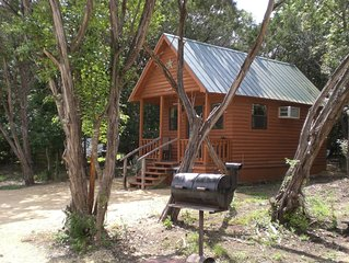 Newer cabin private acreage. 1 MILE to MAIN St ! Deer, FREE river access.