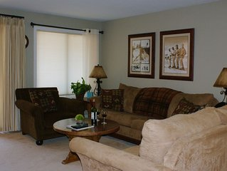 Vail 2 Bed Condo Sleeps 6 Pool HotTub on Bus Route