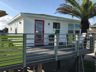 Romantic getaway for two with a view at Surfside Beach, Texas