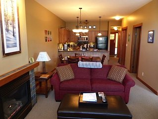 Beautiful 2-bedroom ski in/out condo with private hot tub at Settler's Crossing