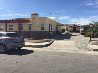 Rehabbed 1945 city center apt. for a Joshua Tree excursion or an off Base stay