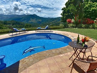 Villa Las Palmas- Pool, Ocean View, Close to the Beach!!