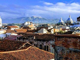 Rooftop Apt Close To Parque Calderon & Cathedral (4 Wk Min)