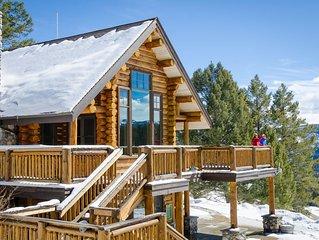 Spacious Ridgetop Lodge