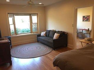 The Garden Apartment, comfortable, quiet, countryside, close to Asheville