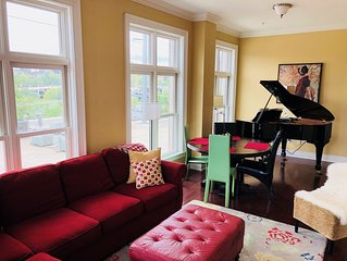 The Musicians Loft on Dickson Street | One block from UofA Campus!