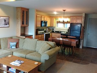 Beautiful Ski In/Out Sugarloaf Condo Close to Great Amenities