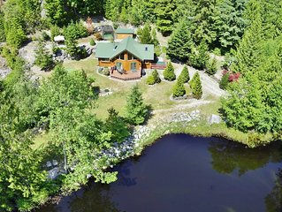 Rockridge Cabin in Garden Bay with Hot Tub and Private Pond, Steps to Lake