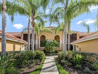Luxury condo, golf and country club lifestyle - Enjoy the sun and have fun!