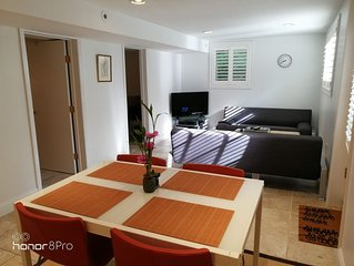 2-Br Stylish Apt & Sauna in Woods with Self check-in.