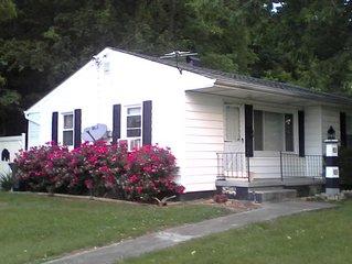 Cozy Convenient Cottage