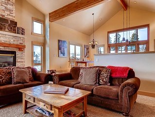 4BR mountain home w/hot tub, views, close to skiing and trails!