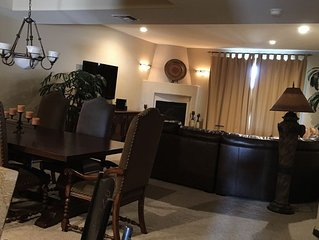 INCREDIBLE Golf Course Views1300sqft 1 Bedroom Condo Beautiful Washer, Dryer,BBQ