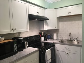 Walk to the Beach! Newly Remodeled w/ Patio, 4 Blocks from Venice Beaches
