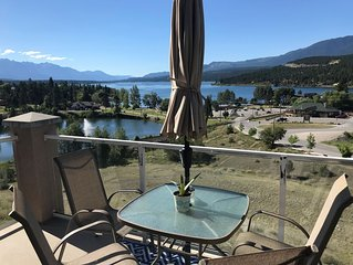 Amazing view, steps to Kinsmen Beach & downtown Invermere shops and restaurants