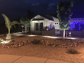 One of a kind in-law suite in Sun City West on golf course