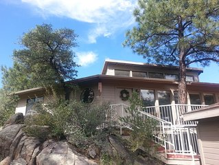 Treehouse in the Pines and Boulders