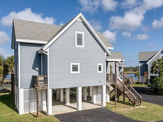 Located on the Crystal River with a magnificent view over the river