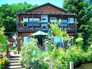 'Island View in Hague' Directly on Quiet Northern Lake George ***** View & Sunny