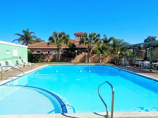 Two bedroom/two bath condo directly on the Laguna Madre!
