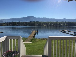 Big Lake Vacation Rental with View of Mt. Baker (Rustic/Vintage Cozy Cottage)