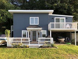Charming Lake House on Private Bronson Lake