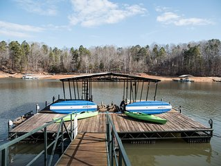 Lakefront, Peaceful, Spacious! Perfect Lake Getaway For Your Family & Friends!!