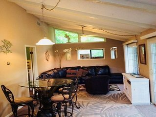Cute 2 bedroom lakefront  house- $99.00 per nite  Hurry/limited time!