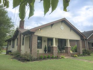 Cozy 3BR Bungalow near DWTN Knox, Zoo, & Breweries! Pet Frdly. Close to Smokies!