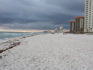 Gorgeous 1 Bedroom Condo With King Size Bed, 2 Bath, Great View Of The Gulf