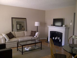 ATT available sleeps 4 Condo Complete with Pool and BBQ!