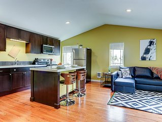 1 Mile to Downtown. Charming, Comfortable And Very Spacious. Come Enjoy Bend.