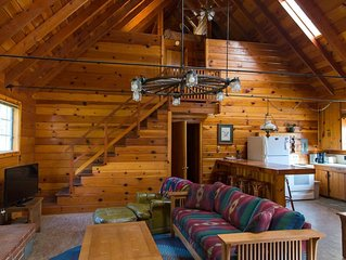 Cozy Knotty Pine Cabin With View of Bass Lake