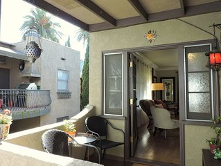 Large & sunny luxury apartment home two blocks from beach!