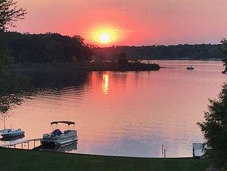 Lake Condo on All-Sports Lake w/ optional Pontoon, private Deck & Dock